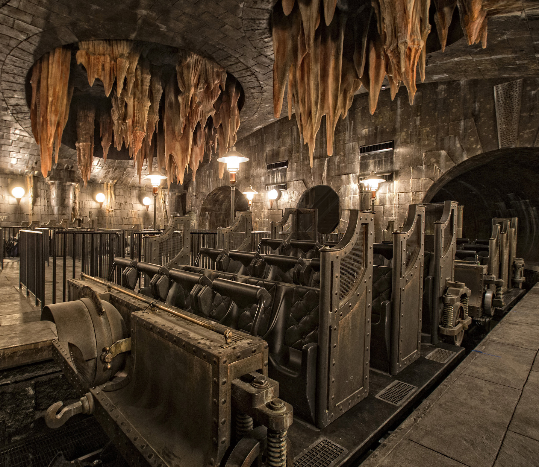 resources_digitalassets_HP-and-the-Escape-from-Gringotts-2