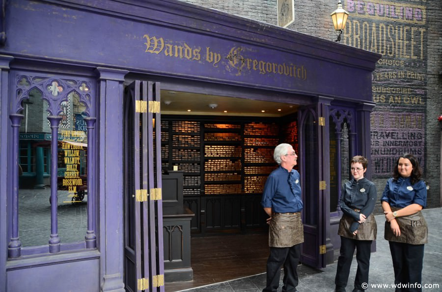 Universal orlando resort shopping in diagon alley for Gregorovitch wands
