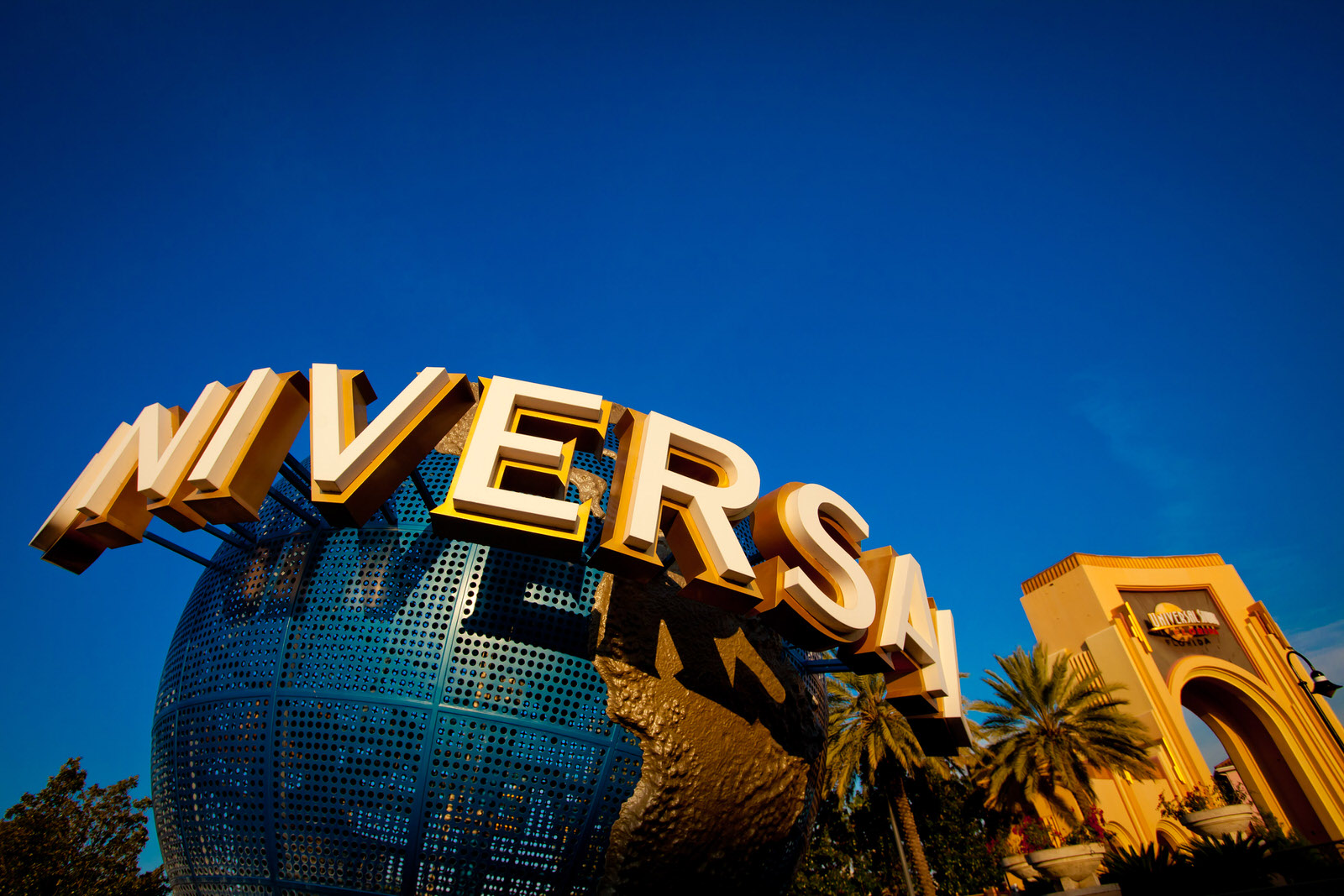 -resources-digitalassets-Universal Orlando Globe