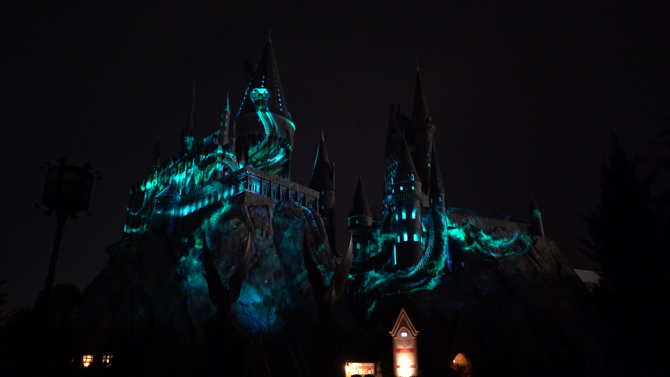nighttimelightshogwarts-snake