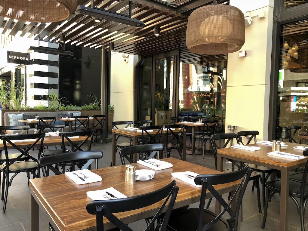 Vivo Italian Kitchen Opens In Universal Studios Hollywood