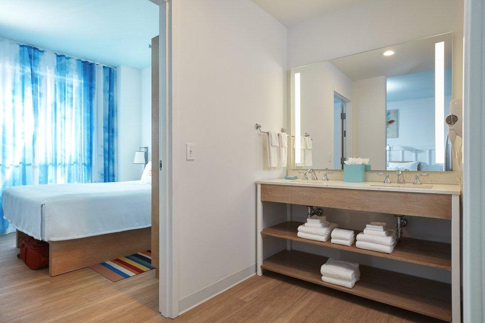 09_Surfside Inn and Suites 2 Bedroom Suite
