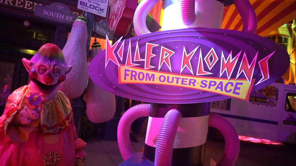 killer-klowns-1
