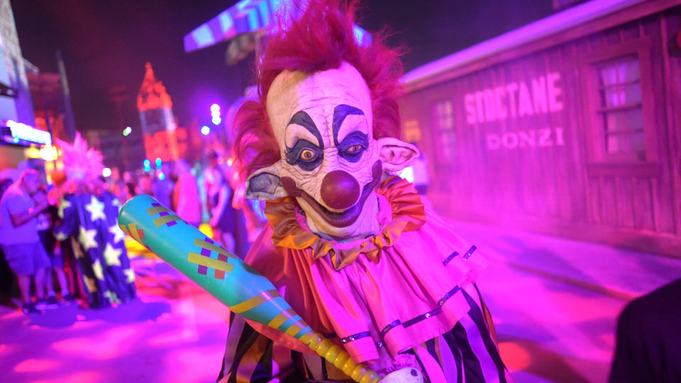 killer-klowns-3